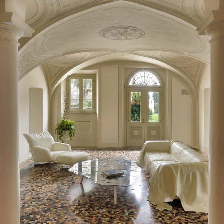EDRA: Purity of lines, white leather and mirror shine for this elegant trio:  #chiara …