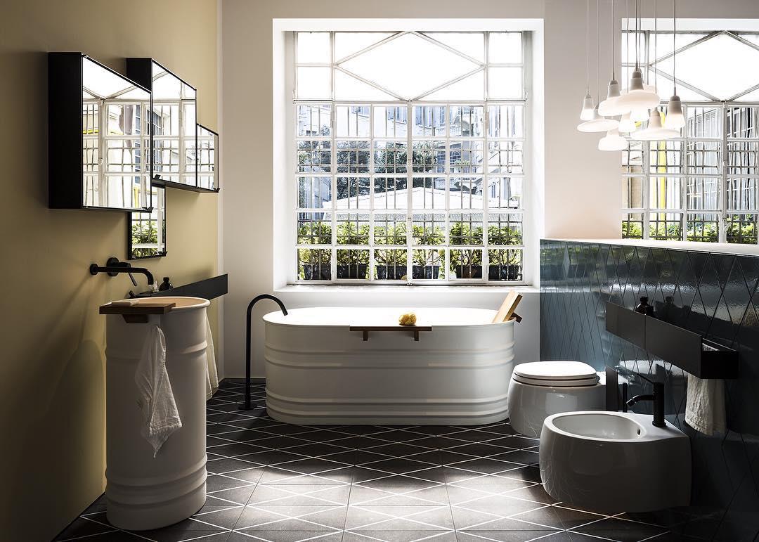 AGAPE: Happening now at Agape12 … Vieques bathtub and washbasin, Pear 2 sanitary ware …