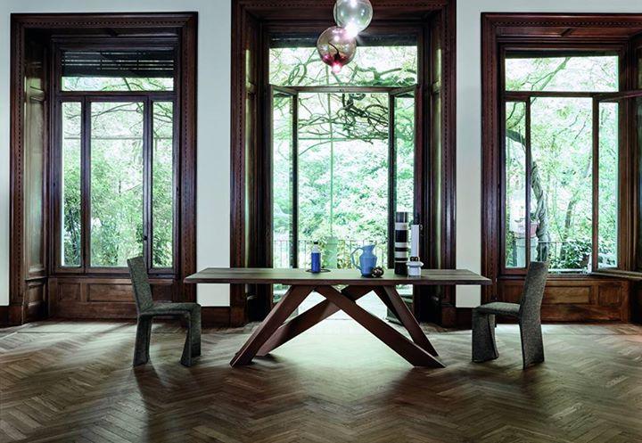 Bonaldo elegant refined and timeless big table design for Table ke design