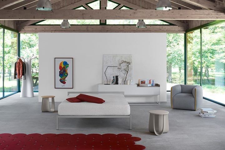 mdf italia rigidity and linearity in the bedroom. Black Bedroom Furniture Sets. Home Design Ideas