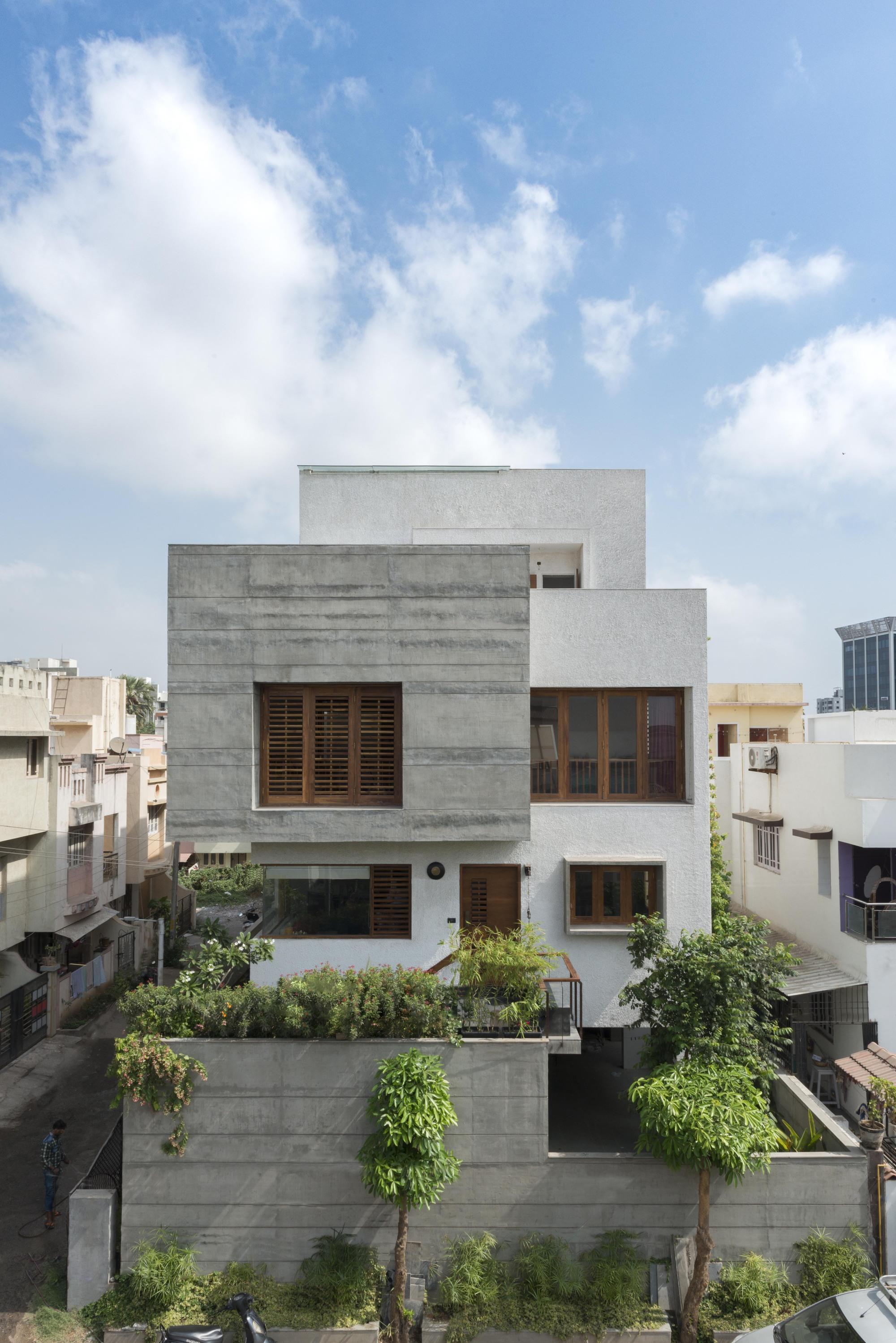 Ira House Of Designers