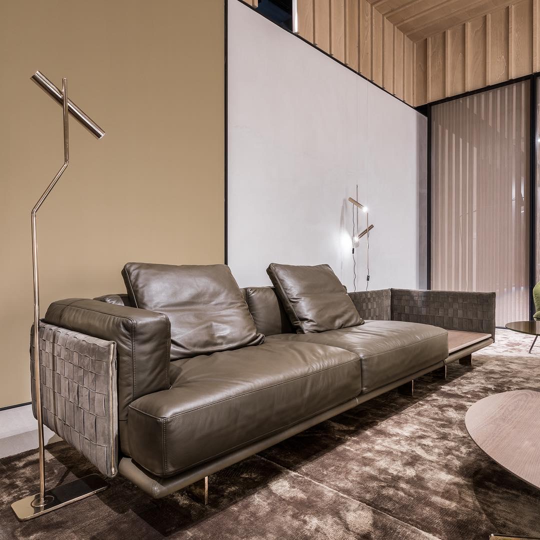 Contemporary Homedecor Ideas:  CONTEMPORARY SOFAS: With A Measured And