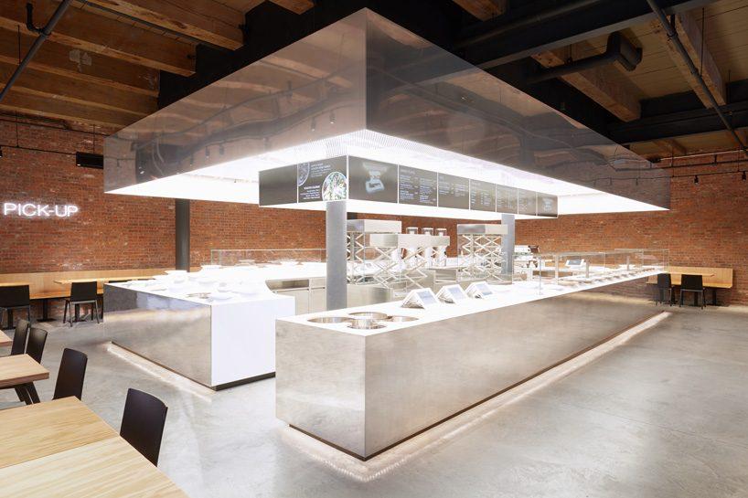 ole scheeren's mirrored stainless steel stage for dean & deluca opens in new york