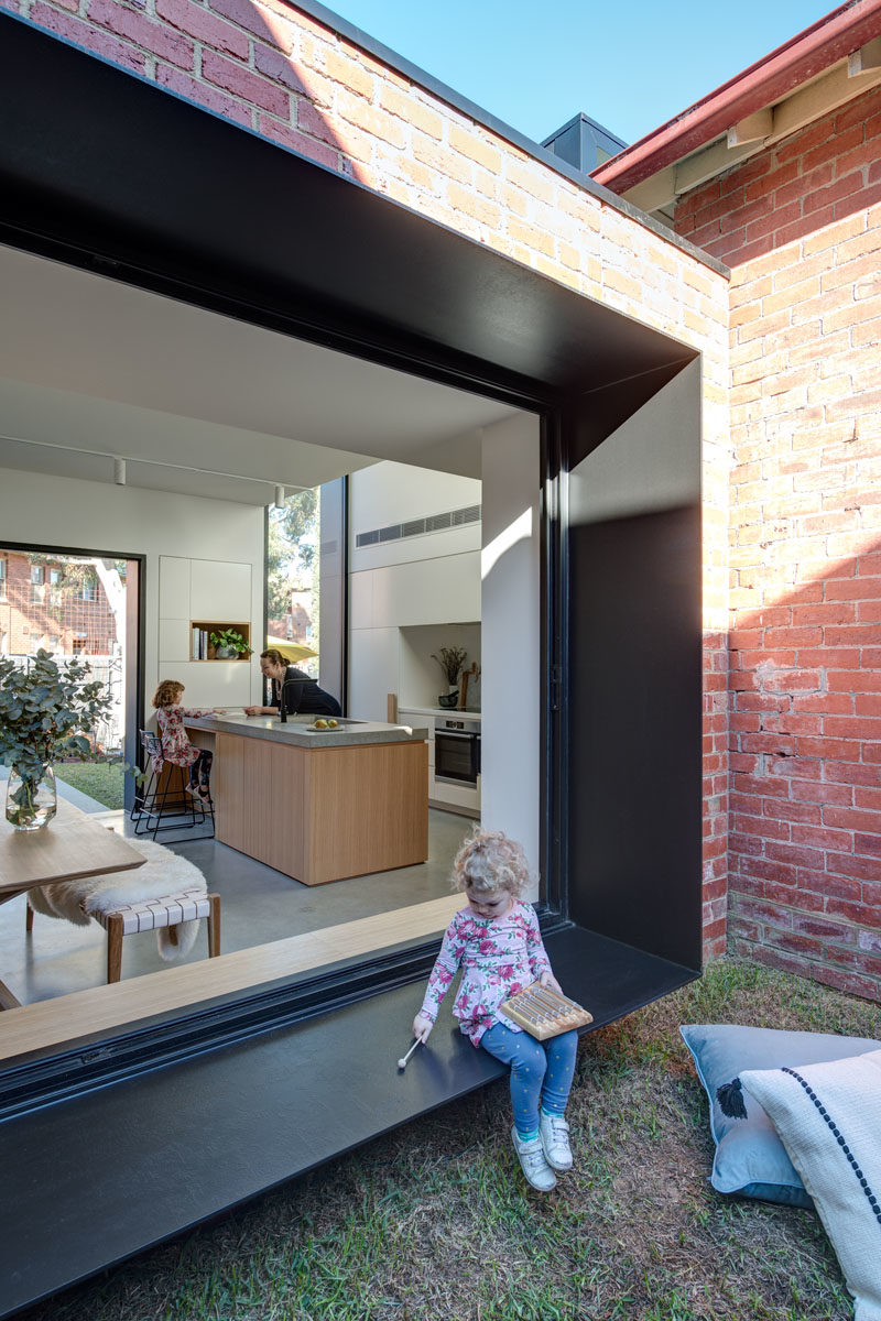 CONTEMPORIST: This House Addition Has Forms Arranged In A