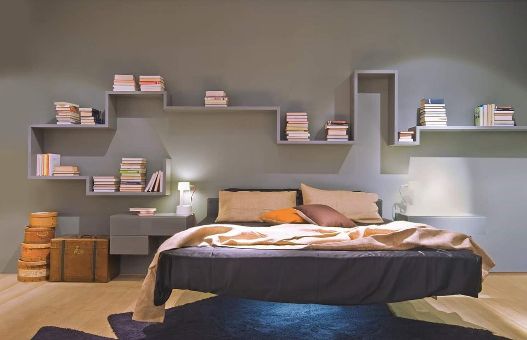 Frame your bedroom with Lagolinea. Find ...