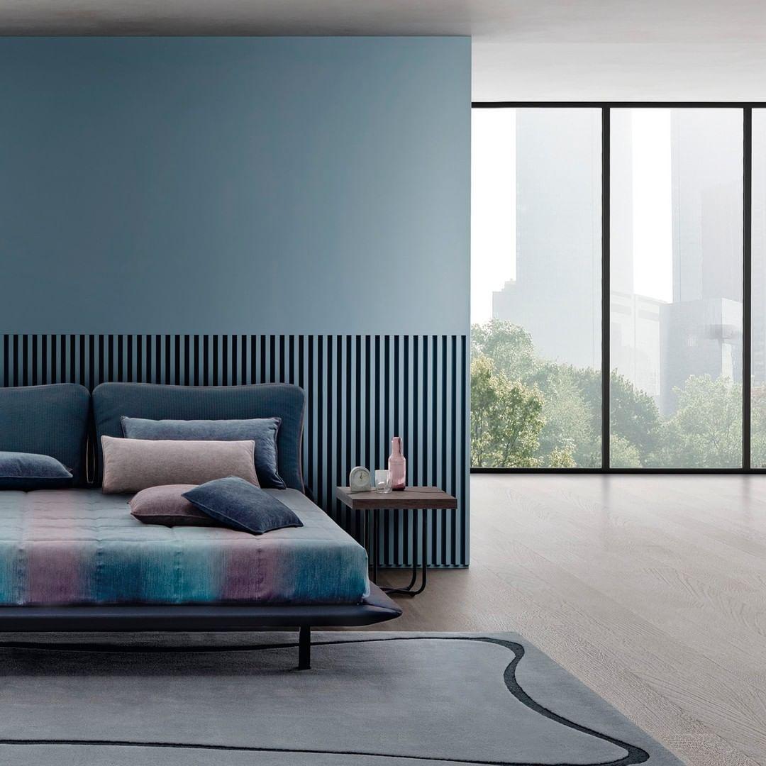 This is Freespirit bed: the blue headboa...