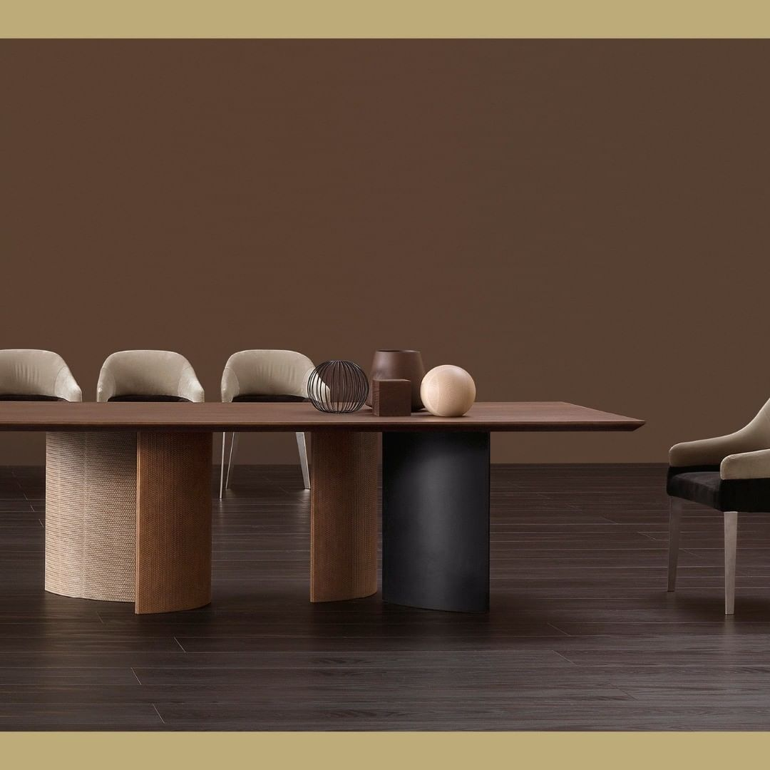 A table that surprises for its kaleidosc...