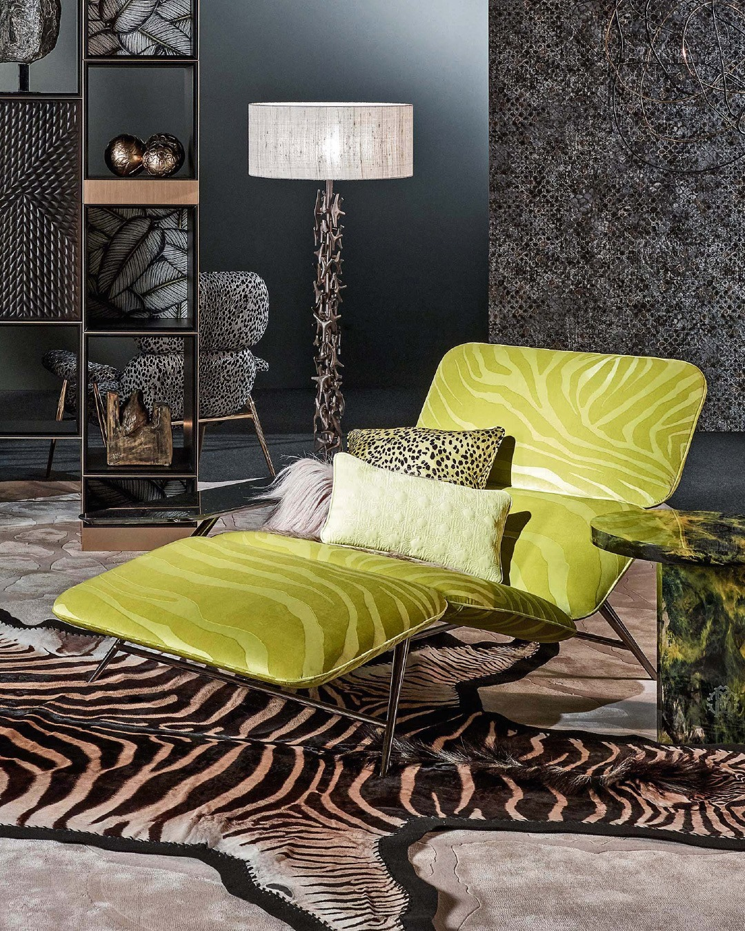 TAHITI is a luxurious chaise longue exud...