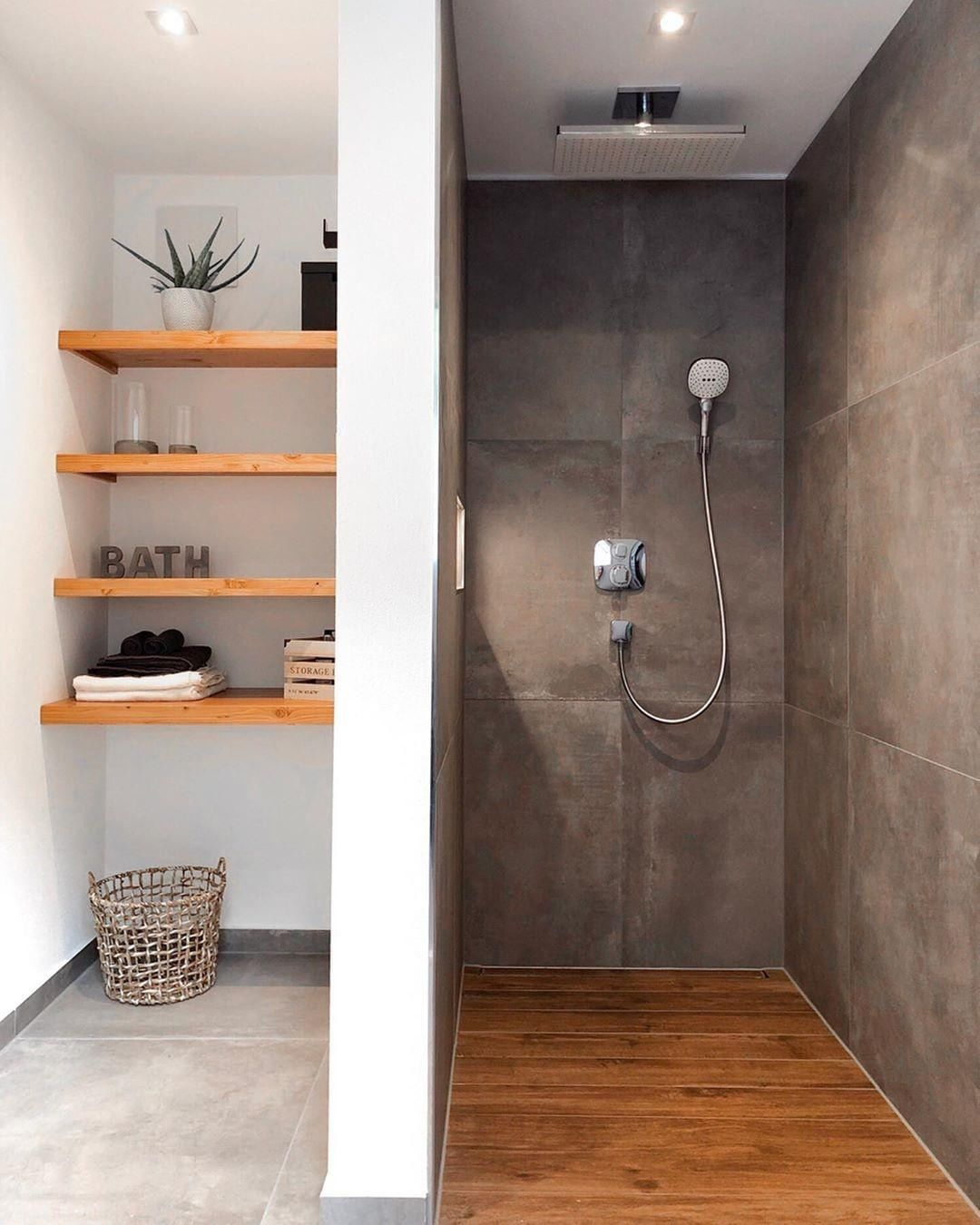 We love this puristic bathroom look by @...