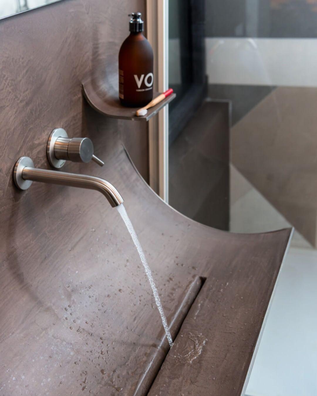 A basin with a skin-like surface.