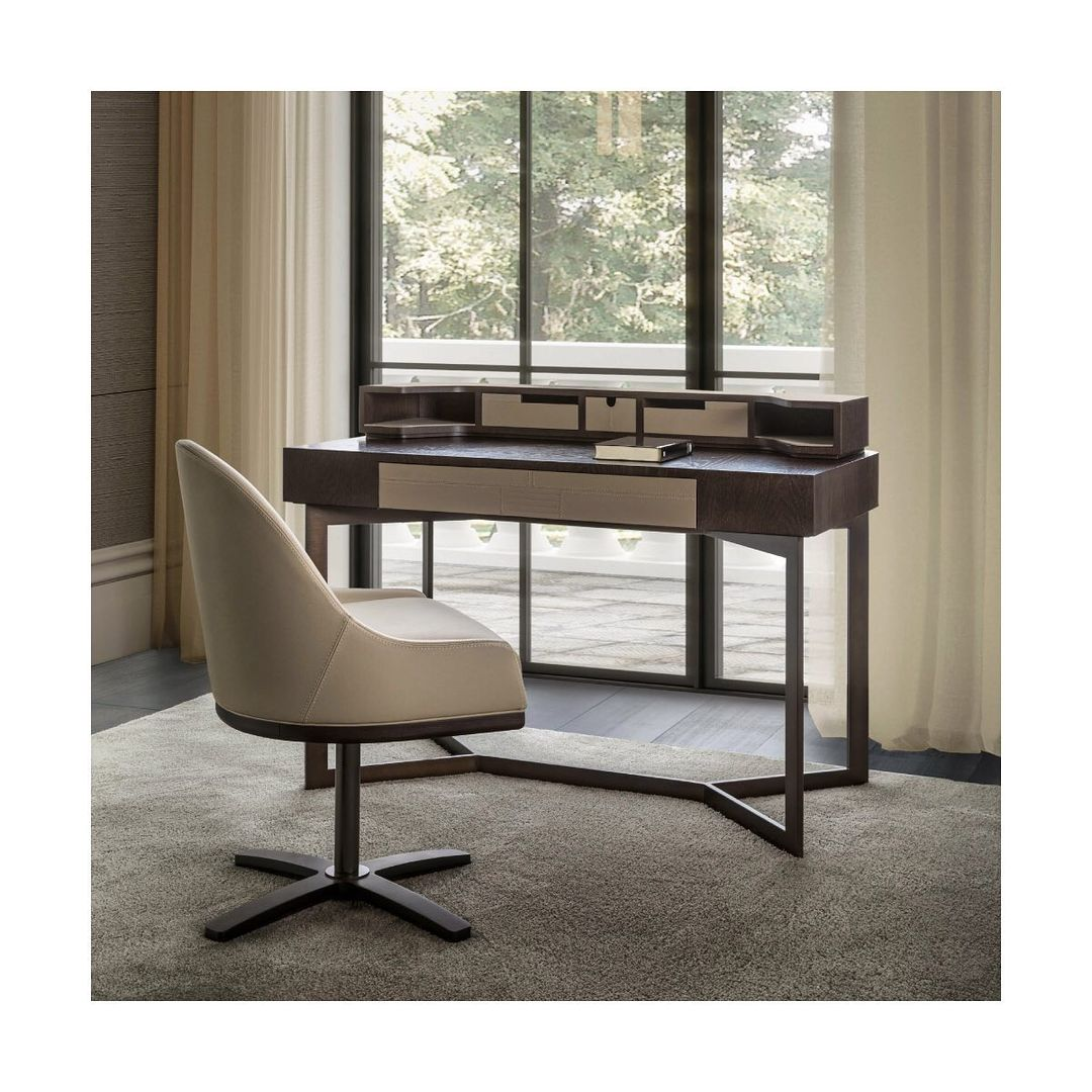 #LIFESTYLE_Collection  VIP DESK - with m...