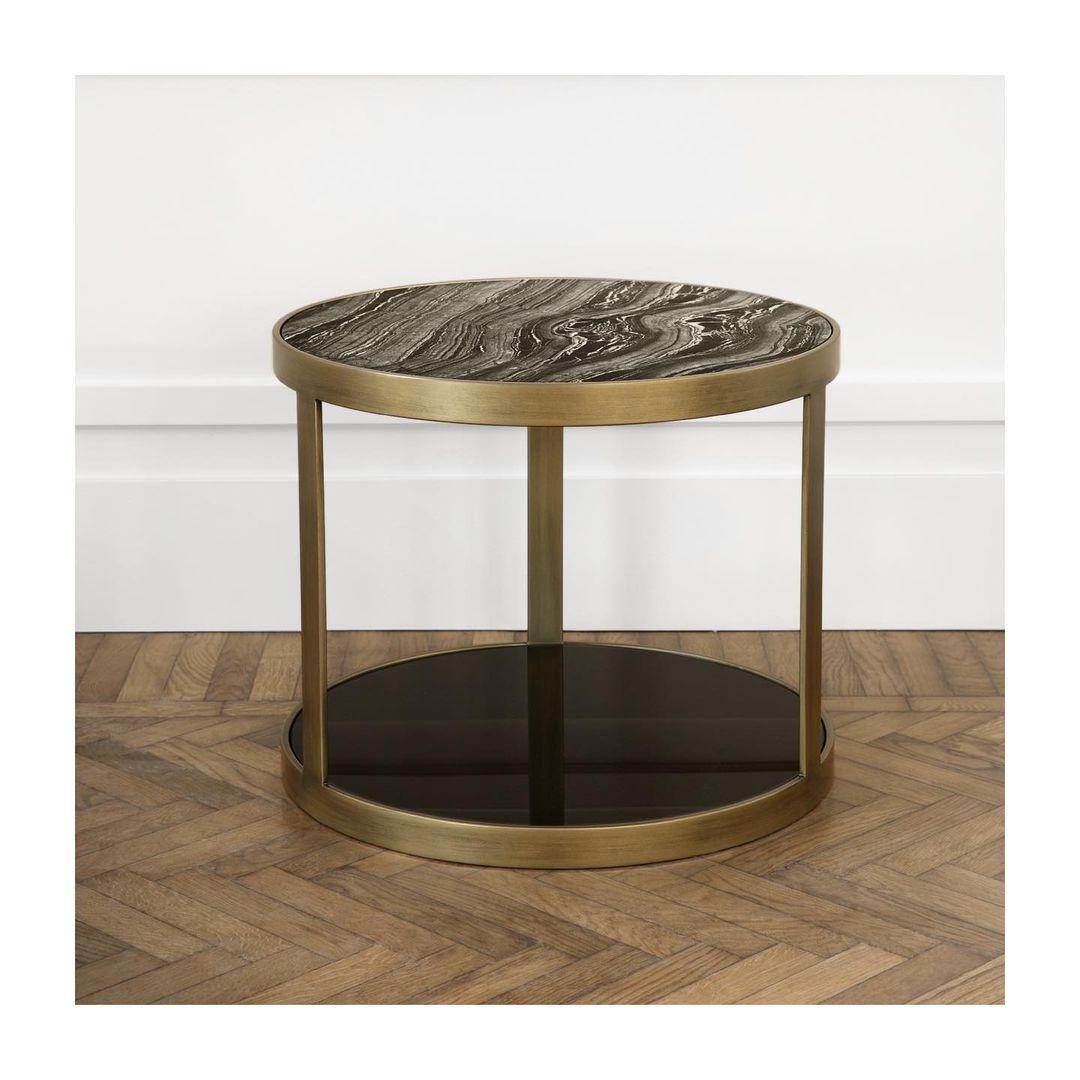 Our Luigi small table.   A little magic ...