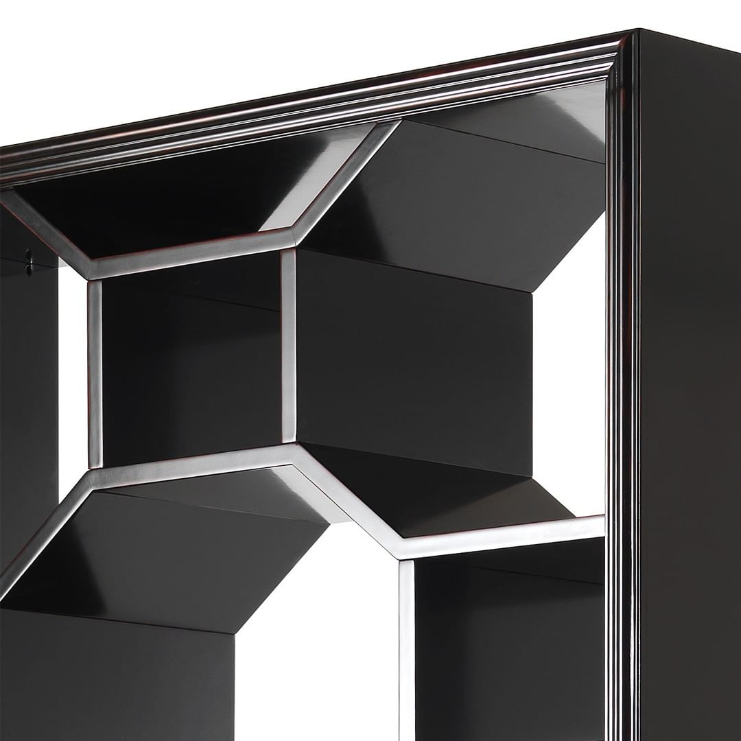 Geometric shapes, contrasting materials ...