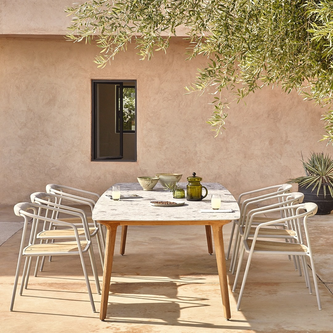 Dine in style at your Torsa table: put t...