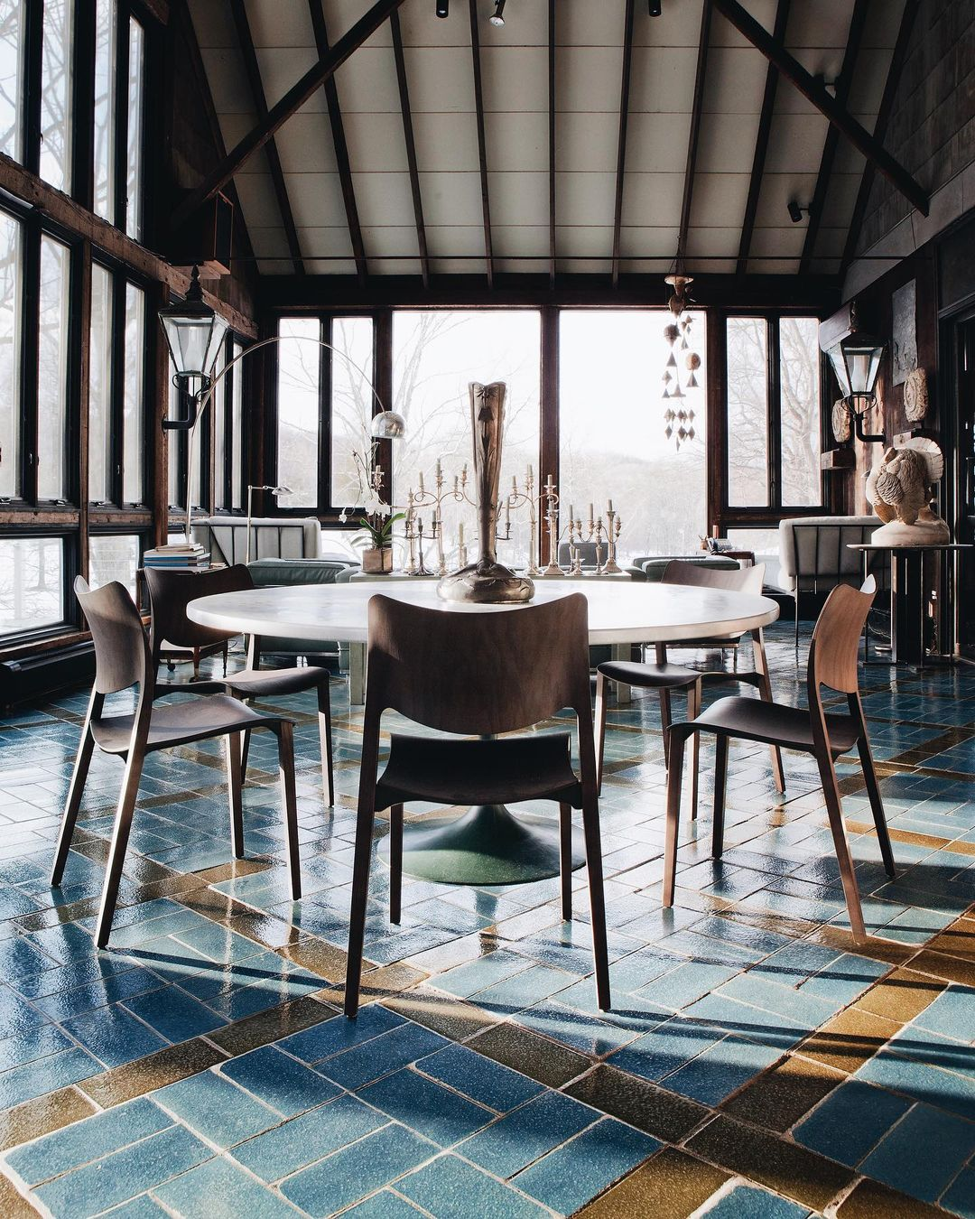 An old barn that has become the most ecl...