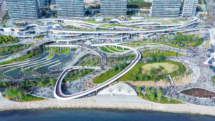 OCT OH BAY Retail Park / Laguarda.Low Architects, Aerial view of OCT OH BAY East Waterfront Retail Park. Image © Yanlong Tong