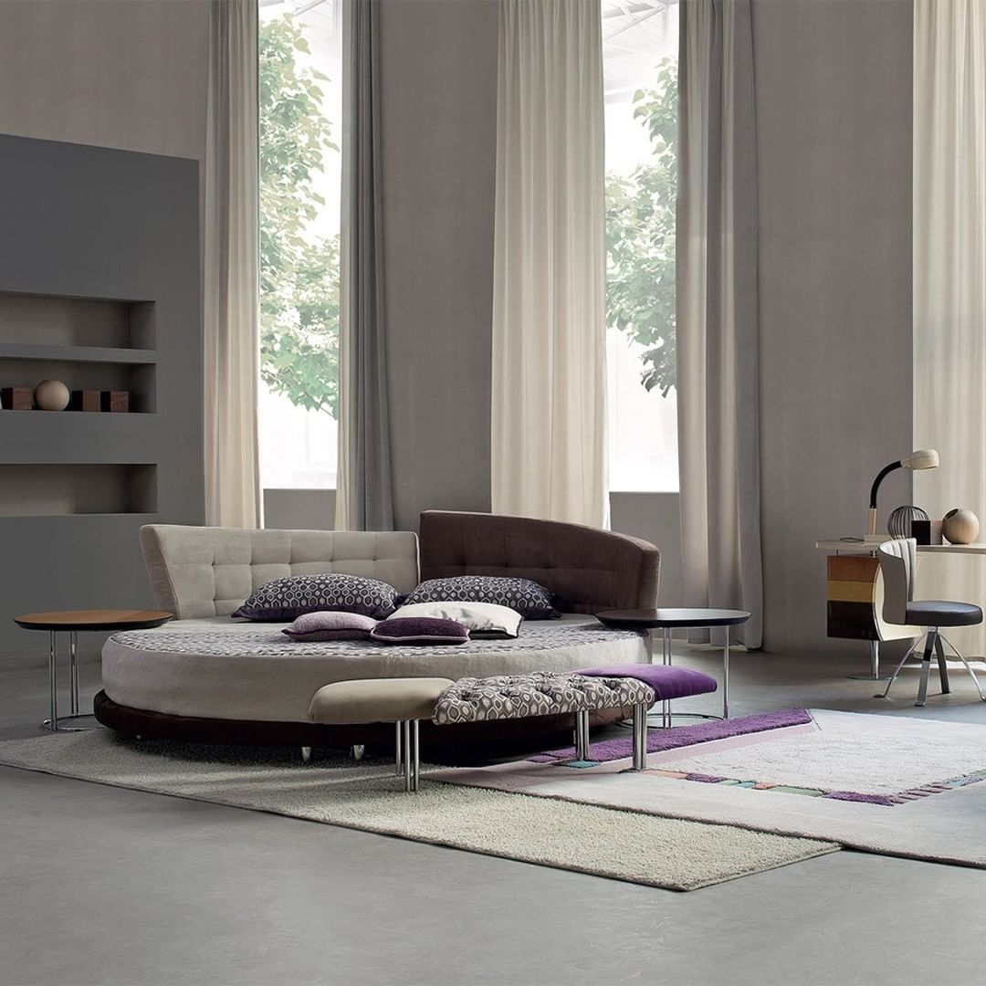 A round bed makes your interior design s...