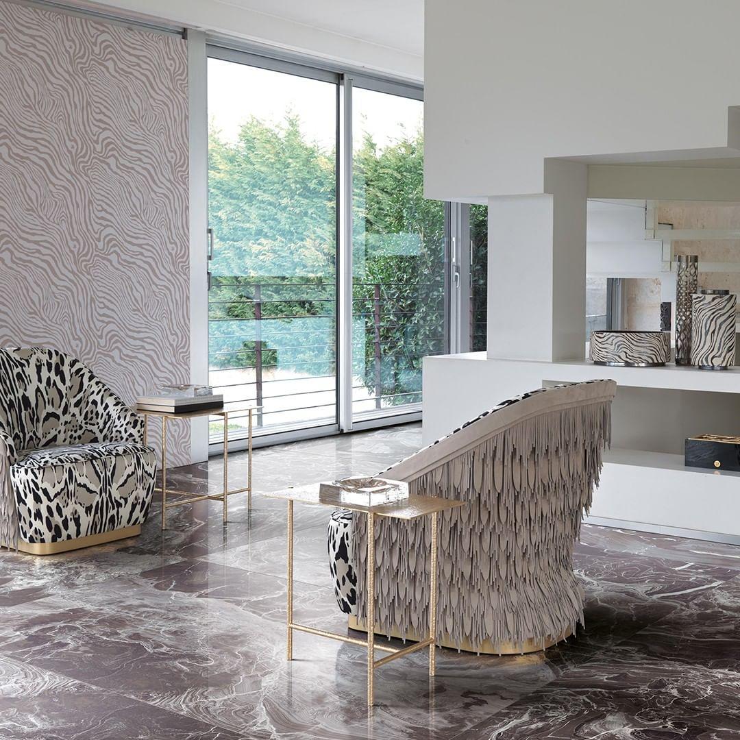 A precious and sophisticated living room...